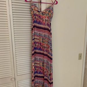 Colorful maxi dress with low back and straps